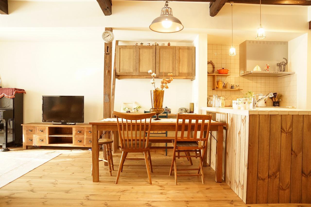 マンションを木や塗り壁の温かみのある雰囲気に